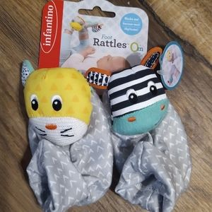 FREE GIFT IN BUNDLE Infantino Baby Foot Rattles